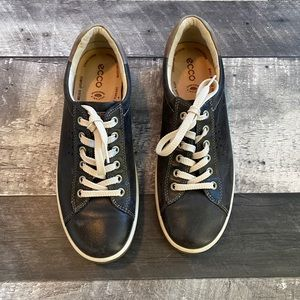 ECCO SNEAKERS - SIZE 40 US10